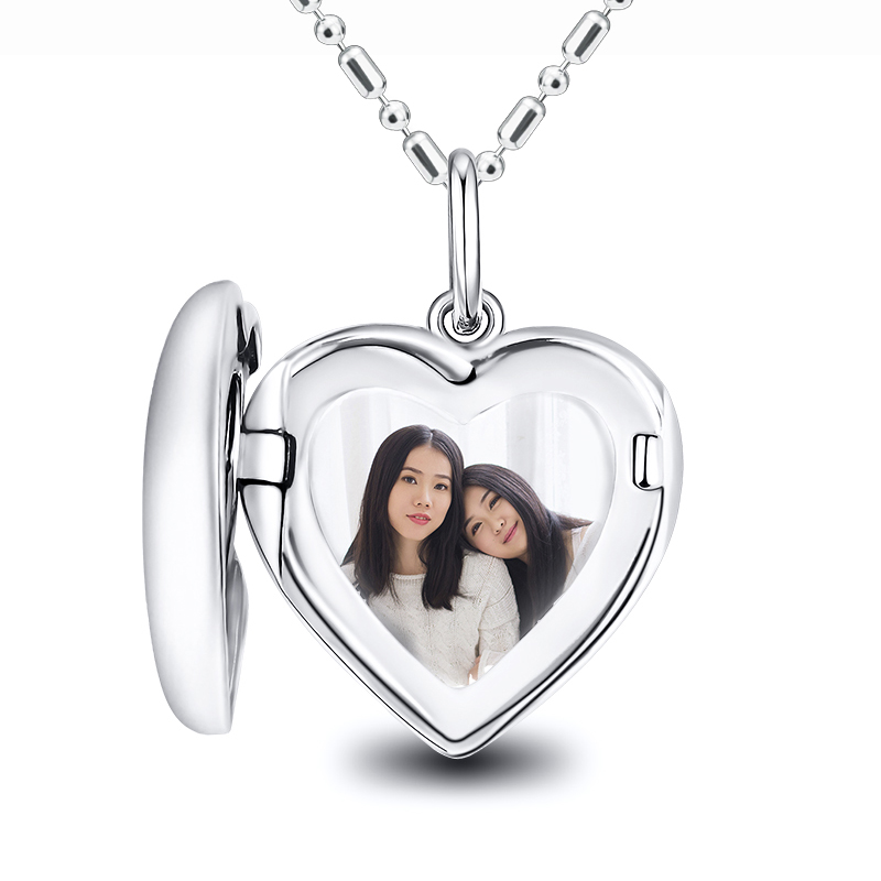 Heart Shap Clamshell Photo Pendant